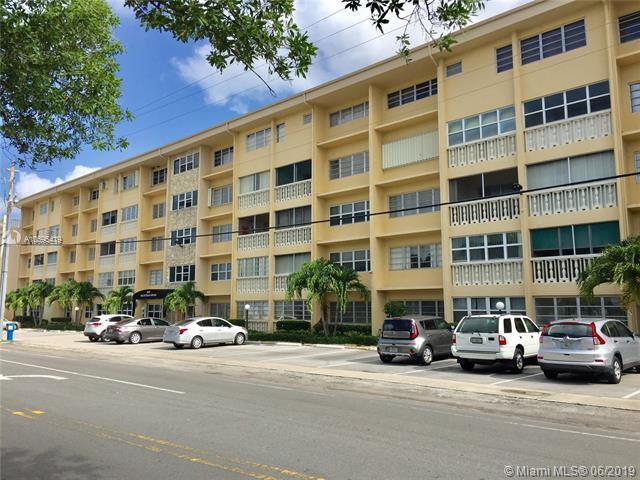 329 SE 3rd St 104P, Hallandale, FL 33009 (MLS #A10695419) :: Miami Villa Group