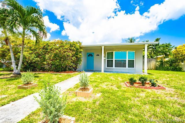 4511 Thomas St, Hollywood, FL 33021 (MLS #A10695427) :: Grove Properties