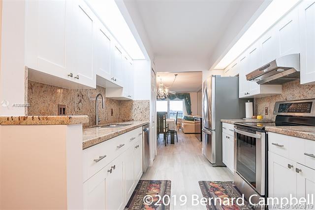 550 SW 138th Ave 412K, Pembroke Pines, FL 33027 (MLS #A10695438) :: Green Realty Properties