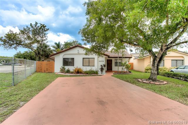 11178 SW 74th Ter, Miami, FL 33173 (MLS #A10695509) :: Berkshire Hathaway HomeServices EWM Realty