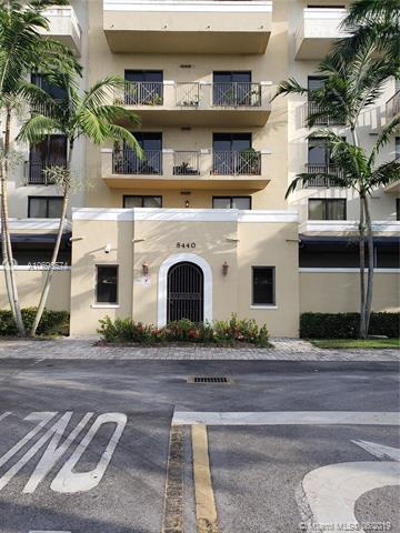 8440 SW 8th St 203A, Miami, FL 33144 (MLS #A10695574) :: Laurie Finkelstein Reader Team