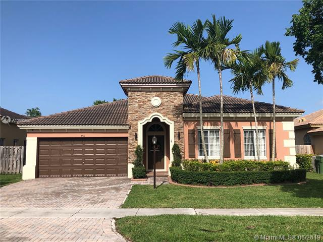 955 NE 35th Ave, Homestead, FL 33033 (MLS #A10695607) :: Laurie Finkelstein Reader Team