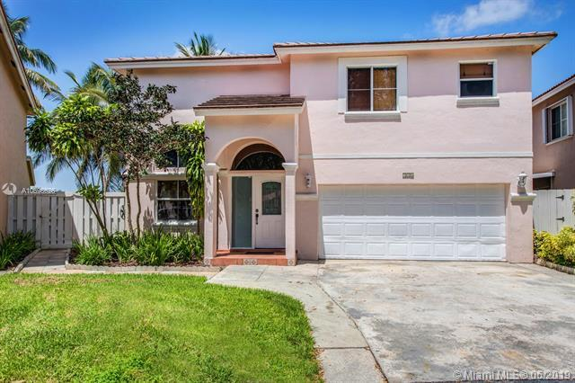 320 SW 99th Ave, Pembroke Pines, FL 33025 (MLS #A10695626) :: Green Realty Properties