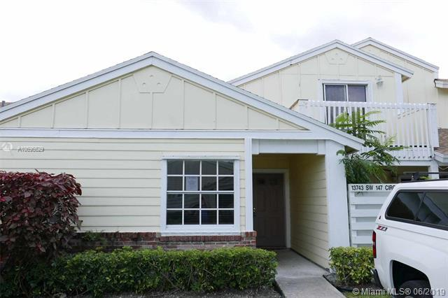 13743 SW 147th Cir Ln 4-34, Miami, FL 33186 (MLS #A10695629) :: Laurie Finkelstein Reader Team