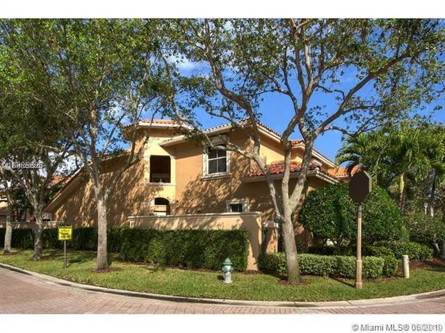 1466 Breakwater Ter, Hollywood, FL 33019 (MLS #A10695804) :: Green Realty Properties