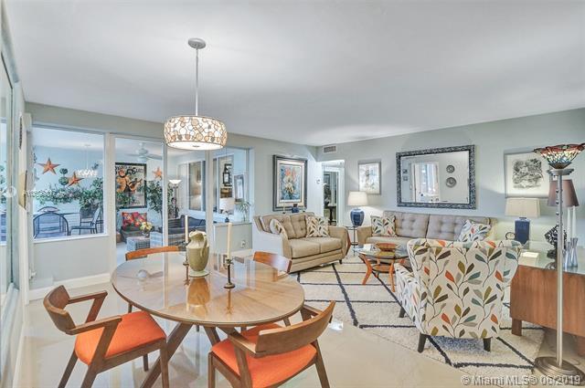 3233 NE 34th St #619, Fort Lauderdale, FL 33308 (MLS #A10695817) :: Castelli Real Estate Services