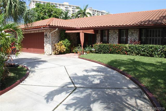 313 Layne Blvd, Hallandale, FL 33009 (MLS #A10695848) :: Miami Villa Group