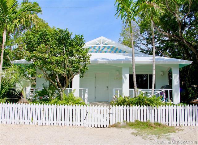 1029 Snapper, Other City - Keys/Islands/Caribbean, FL 33070 (MLS #A10695849) :: Laurie Finkelstein Reader Team