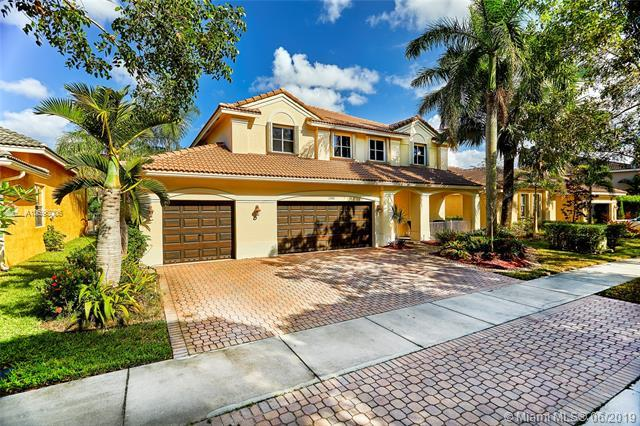 1300 Crossbill Ct, Weston, FL 33327 (MLS #A10696006) :: Castelli Real Estate Services