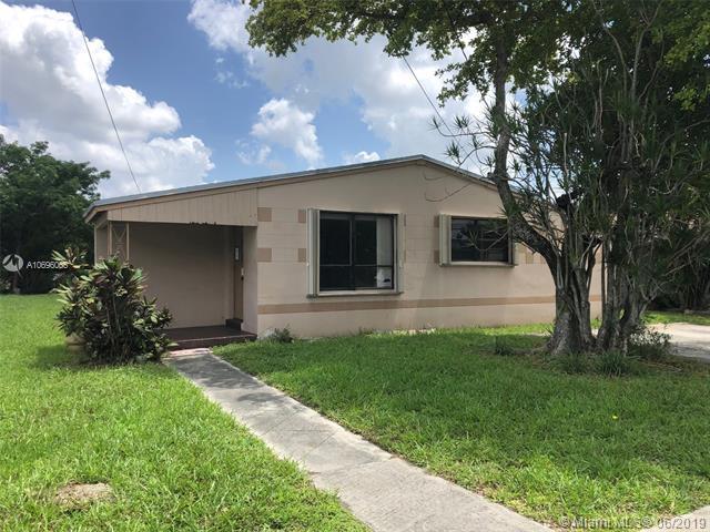 4631 SW 19th St, West Park, FL 33023 (MLS #A10696065) :: Berkshire Hathaway HomeServices EWM Realty