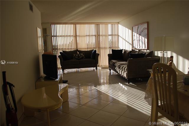 600 Parkview Dr. #525, Hallandale, FL 33009 (MLS #A10696164) :: Berkshire Hathaway HomeServices EWM Realty