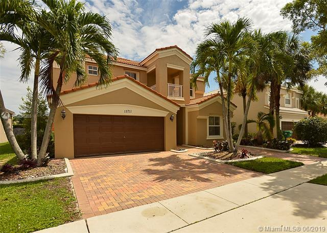 15711 SW 53rd Ct, Miramar, FL 33027 (MLS #A10696203) :: Grove Properties