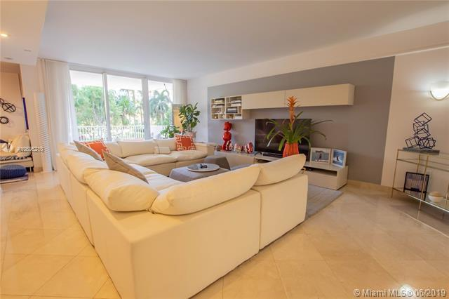 785 Crandon Blvd #301, Key Biscayne, FL 33149 (MLS #A10696210) :: Ray De Leon with One Sotheby's International Realty