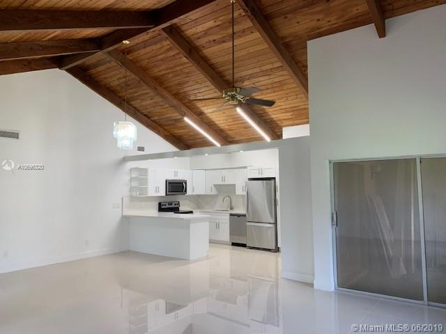 2173 Nova Village Dr, Davie, FL 33317 (MLS #A10696320) :: Grove Properties