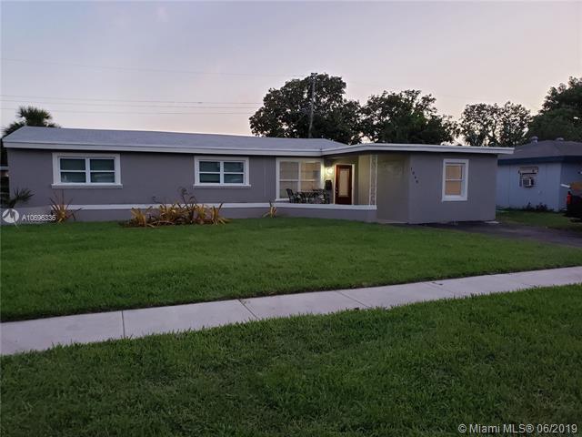 1049 Wyoming Ave, Fort Lauderdale, FL 33312 (MLS #A10696336) :: Grove Properties