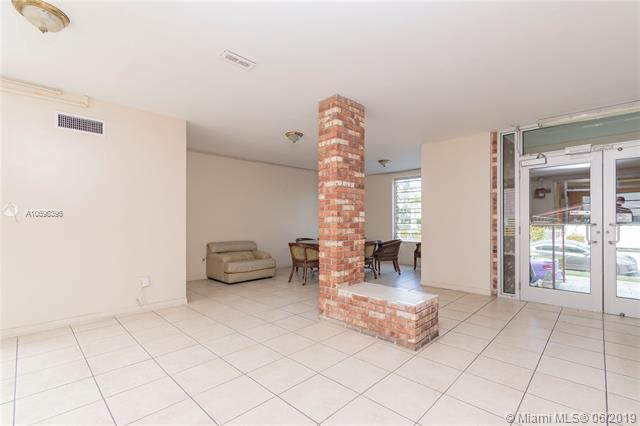 1150 Euclid Ave #309, Miami Beach, FL 33139 (MLS #A10696396) :: Miami Villa Group