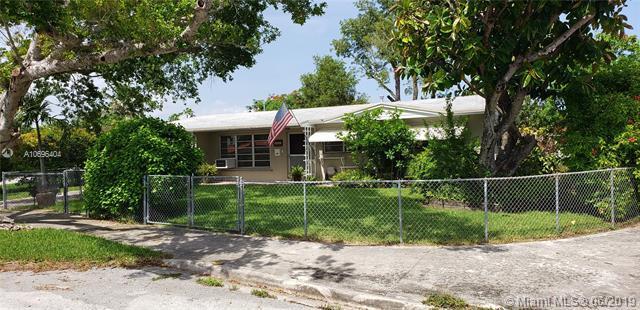 5521 SW 104th Ave, Miami, FL 33165 (MLS #A10696404) :: Berkshire Hathaway HomeServices EWM Realty