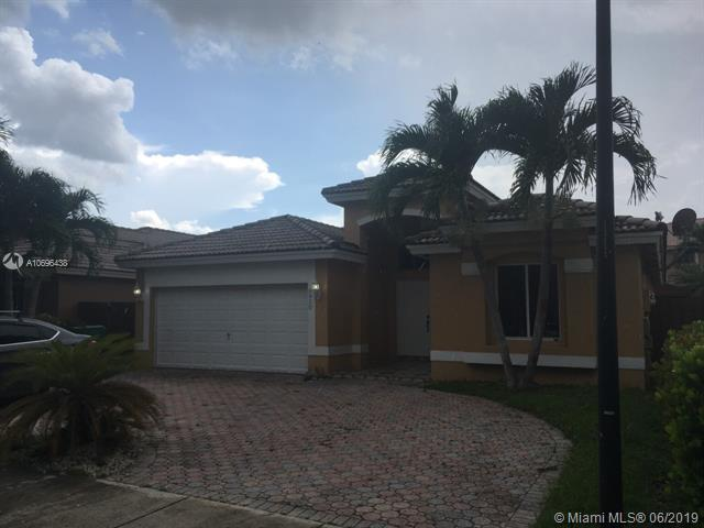 6910 SW 163rd Pl, Miami, FL 33193 (MLS #A10696438) :: Miami Villa Group
