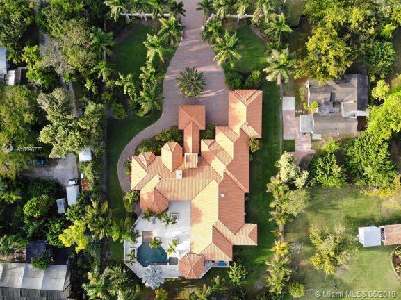 9760 SW 60, Miami, FL 33173 (MLS #A10696773) :: Prestige Realty Group