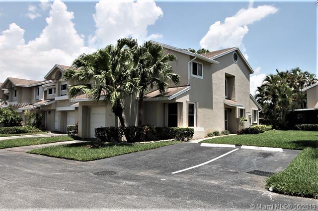 2101 Discovery Cir W, Deerfield Beach, FL 33442 (MLS #A10696820) :: The Paiz Group