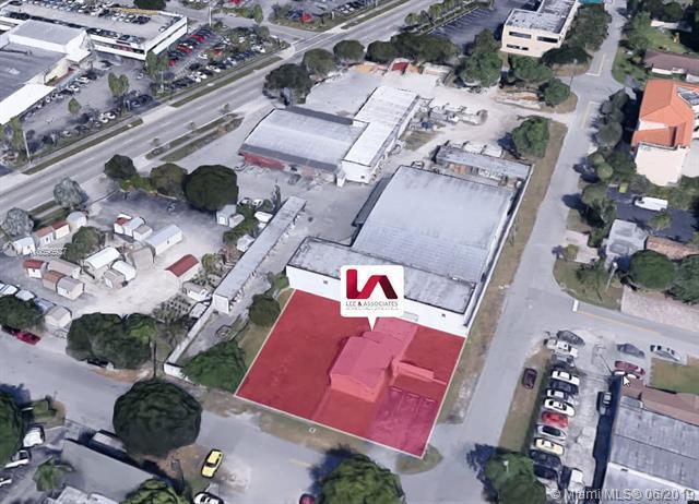 9811 Wayne Ave, Palmetto Bay, FL 33157 (MLS #A10696927) :: Grove Properties