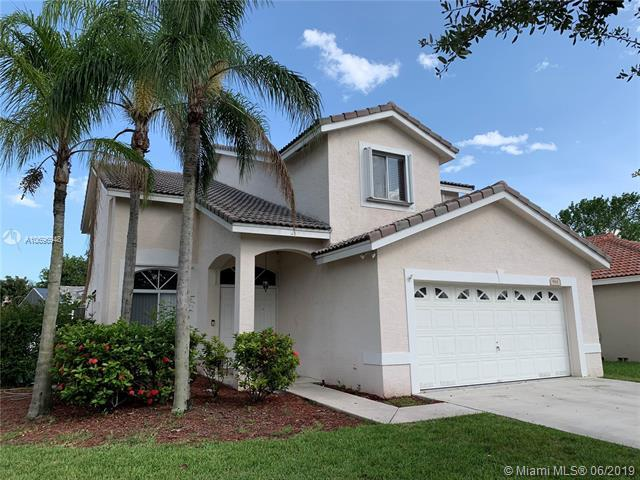 961 SW 177th Way, Pembroke Pines, FL 33029 (MLS #A10696948) :: Grove Properties