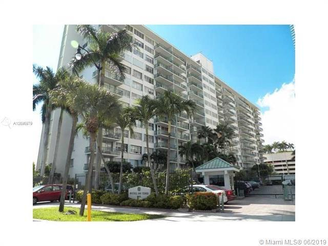 1408 Brickell Bay Dr #207, Miami, FL 33131 (MLS #A10696979) :: Ray De Leon with One Sotheby's International Realty