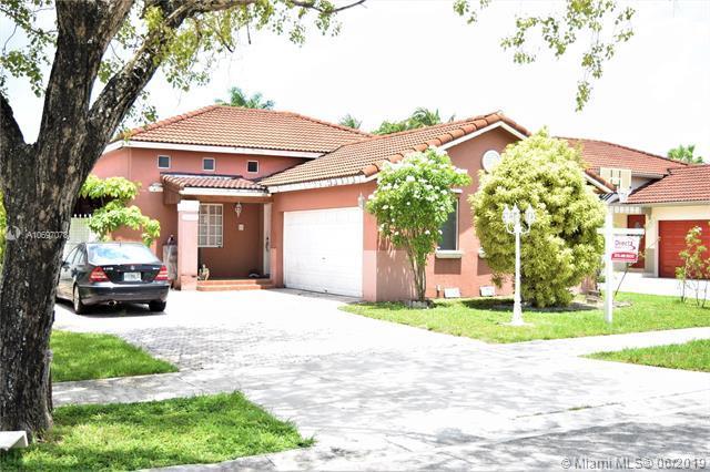 19407 NW 83rd Ave, Hialeah, FL 33015 (MLS #A10697078) :: Grove Properties