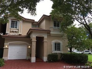 6763 NW 107th Pl, Doral, FL 33178 (MLS #A10697163) :: The Teri Arbogast Team at Keller Williams Partners SW
