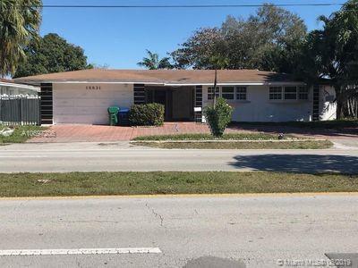 18831 NE 18th Ave, Miami, FL 33179 (MLS #A10697206) :: GK Realty Group LLC