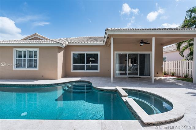 12834 NW 18th Ct, Pembroke Pines, FL 33028 (MLS #A10697223) :: Grove Properties