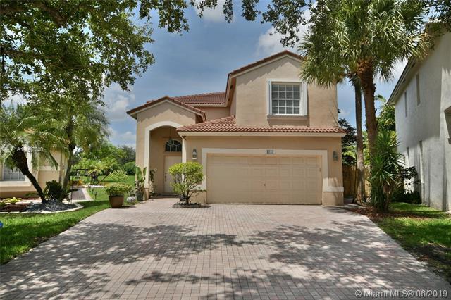 1252 NW 171st Ter, Pembroke Pines, FL 33028 (MLS #A10697340) :: Green Realty Properties