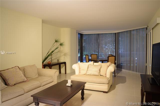 1717 N Bayshore Dr A-1145, Miami, FL 33132 (MLS #A10697471) :: The Erice Group