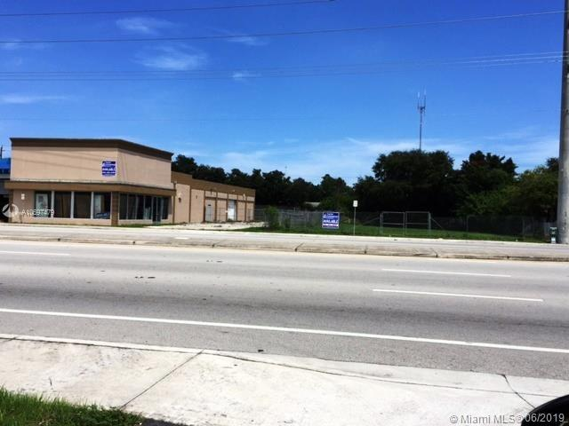 2615 S State Road 7, West Park, FL 33023 (MLS #A10697479) :: Grove Properties