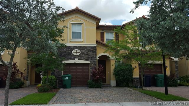 8647 NW 113th Ct #0, Doral, FL 33178 (MLS #A10697576) :: The Erice Group