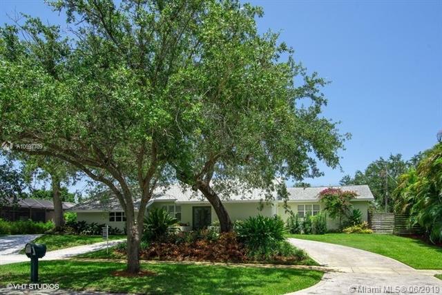 17125 SW 77th Ave, Palmetto Bay, FL 33157 (MLS #A10697709) :: Grove Properties