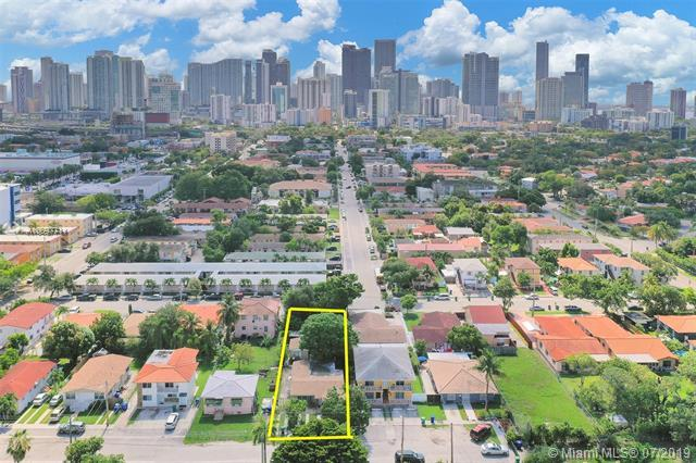 951 SW 8th Ct, Miami, FL 33130 (MLS #A10697711) :: The Paiz Group