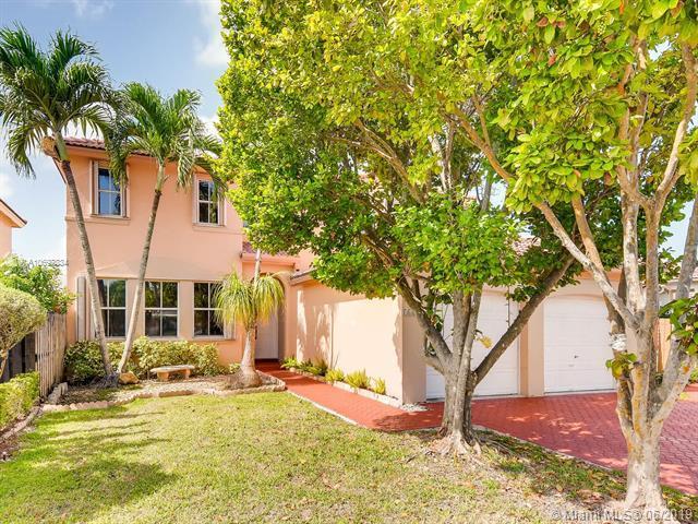 16284 SW 82nd St, Miami, FL 33193 (MLS #A10697834) :: The Kurz Team