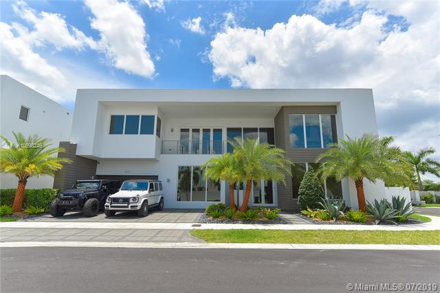 10320 NW 74th Ter, Doral, FL 33178 (MLS #A10698246) :: Grove Properties