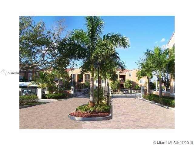 6841 SW 44 #111, Miami, FL 33155 (MLS #A10698383) :: Berkshire Hathaway HomeServices EWM Realty