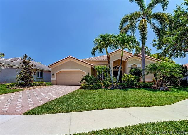 2994 Oakbrook Drive, Weston, FL 33332 (MLS #A10698550) :: The Teri Arbogast Team at Keller Williams Partners SW