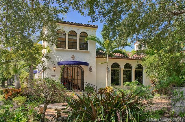 700 Navarre Ave, Coral Gables, FL 33134 (MLS #A10698711) :: Green Realty Properties