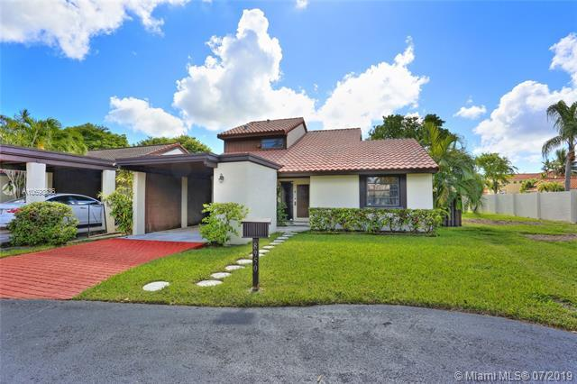 8950 SW 112th Pl, Miami, FL 33176 (MLS #A10698836) :: Green Realty Properties