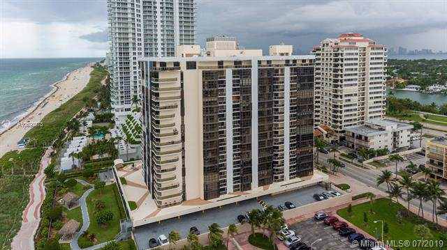 6423 Collins Ave #1804, Miami Beach, FL 33141 (MLS #A10698973) :: The Teri Arbogast Team at Keller Williams Partners SW