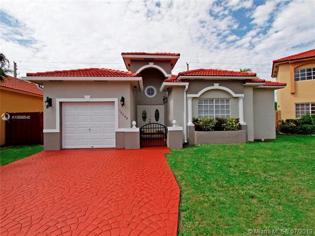 16288 SW 55th Ter, Miami, FL 33185 (MLS #A10699546) :: Grove Properties