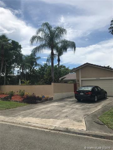 11501 NW 39th Pl, Coral Springs, FL 33065 (MLS #A10699611) :: Grove Properties
