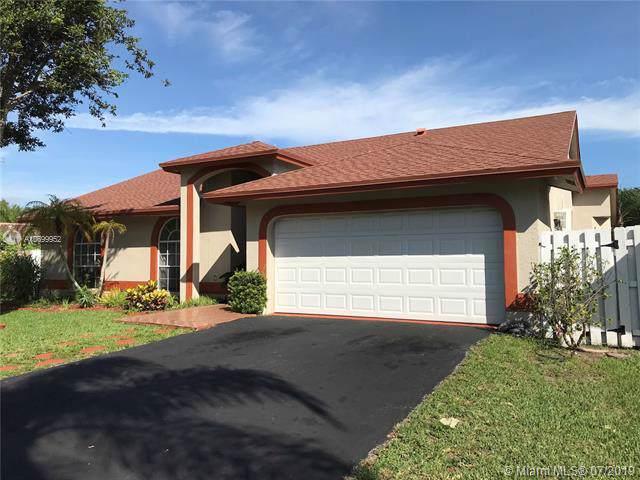 5358 NW 99 LN, Coral Springs, FL 33076 (MLS #A10699952) :: GK Realty Group LLC