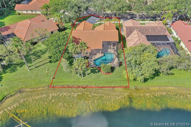 1589 Eastlake Way, Weston, FL 33326 (MLS #A10700001) :: Grove Properties