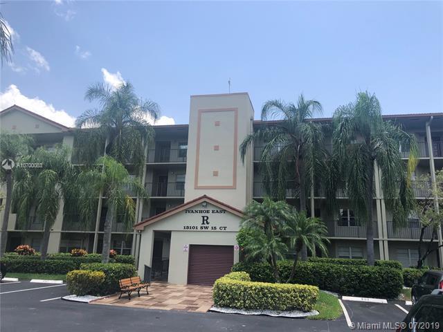 13101 SW 15th Ct 404-R, Pembroke Pines, FL 33027 (MLS #A10700083) :: Berkshire Hathaway HomeServices EWM Realty