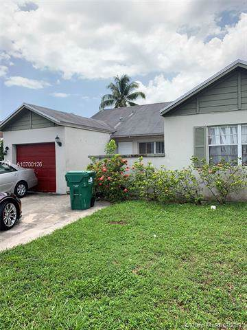 3214 NW 203rd St, Miami Gardens, FL 33056 (MLS #A10700126) :: The Teri Arbogast Team at Keller Williams Partners SW